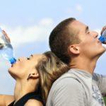 SAVETI LEKARA: Ako pijete vodu iz plastične falše, vodite računa o ovome!