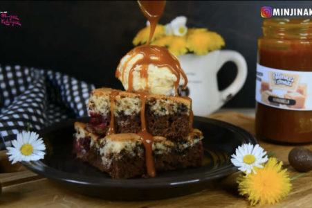 NAJBRŽA I NAJSOČNIJA LETNJA POSLASTICA: Voćni kolač za 10 minuta! (VIDEO)