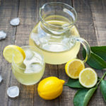 SPREČAVA I LEČI MNOGE BOLESTI: Ove grupe ljudi bi trebale da jedu limun svaki dan!