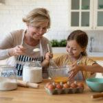 POSTOJI NEKOLIKO BITNIH RAZLOGA: Evo zašto bake više vole unuke nego sopstvenu decu!