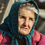 PRAVE VREDNOSTI NE PROLAZE: 30 najboljih zakona vaspitanja baka i deka iz Srbije!