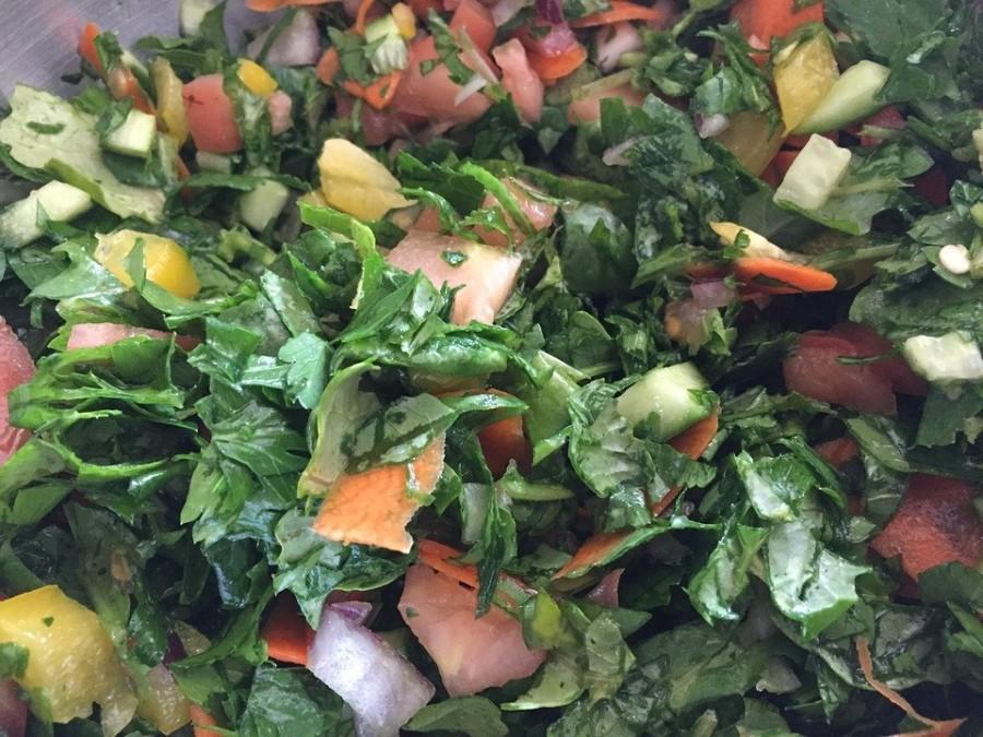 NEPOZNATO O OVOM ZAČINU NA KOJI SMO NAVIKLI KAO NA DODATAK: Peršun može biti glavni sastojak fantastične salate