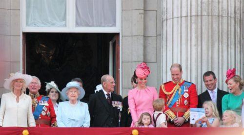 PAZILA JE NA SVAKI DETALJ: Ovako kraljica Elizabeta priprema princa Vilijama za budućeg kralja!